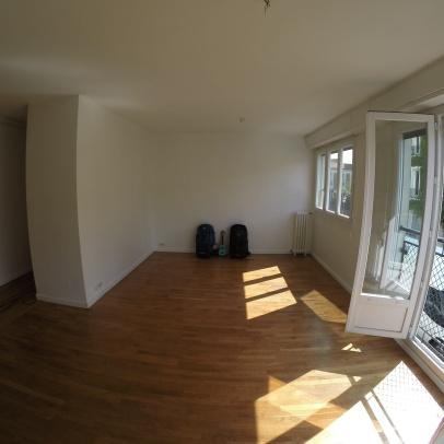 Notre appartement semble bien vide...